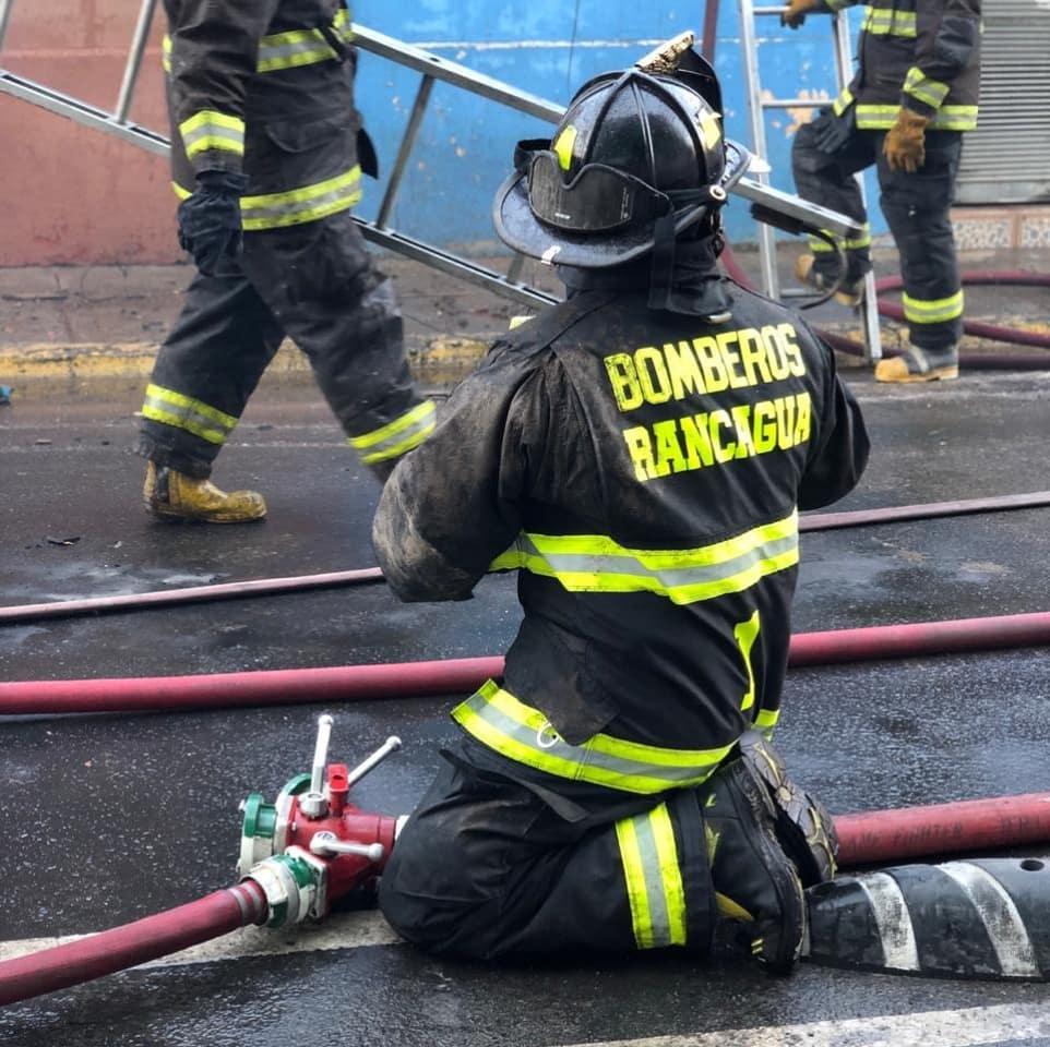 Promulgan ley que sanciona maltrato a bomberos en actos de servicio
