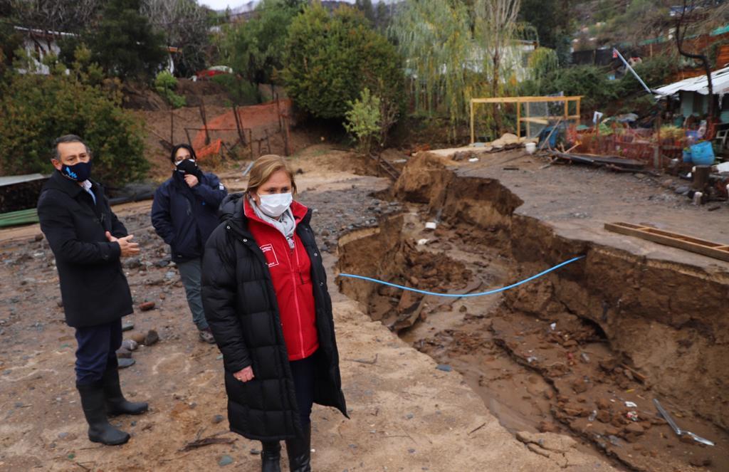 Inundaciones, cortes de ruta y socavón en Machalí fueron principales afectaciones por intensas lluvias