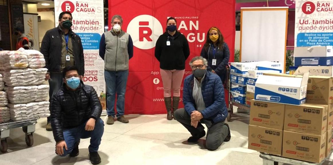 Plaza América dona alimentos no perecibles para comedores solidarios de Rancagua