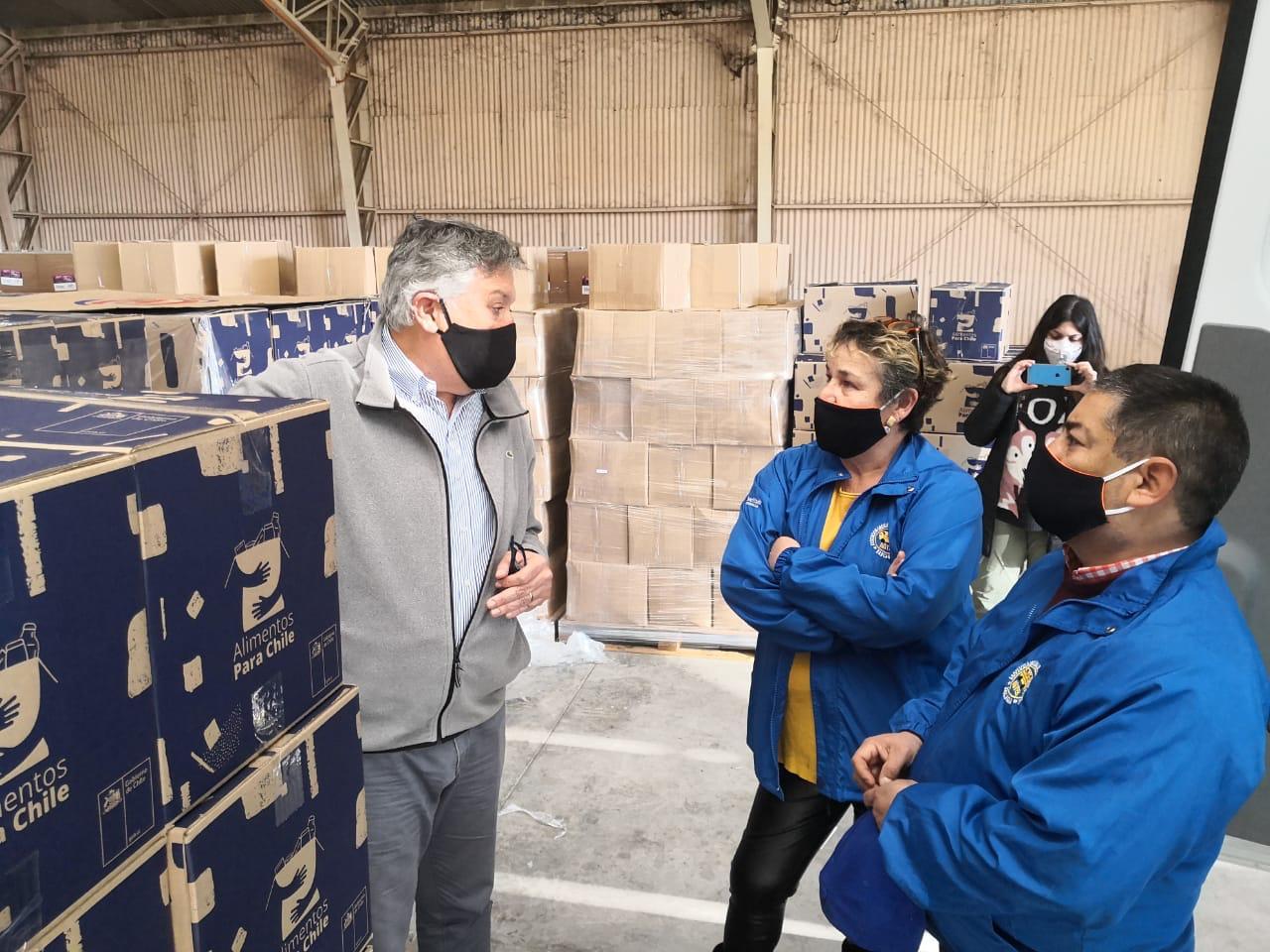 Municipalidad de Rancagua repartirá 28 mil cajas con apoyo de furgones escolares