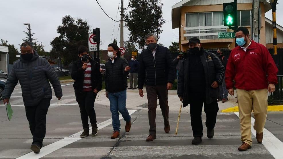 Dan inicio a funcionamiento de semáforo en cruce de Membrillar y Diego de Almagro