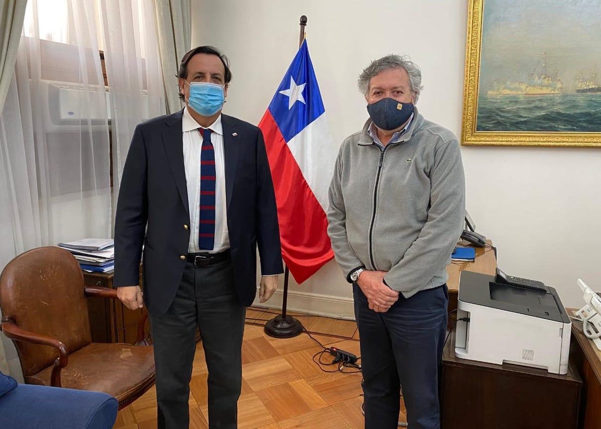 Alcalde Eduardo Soto y director DOS desarrollan proyectos de conectividad para la región de O'Higgins