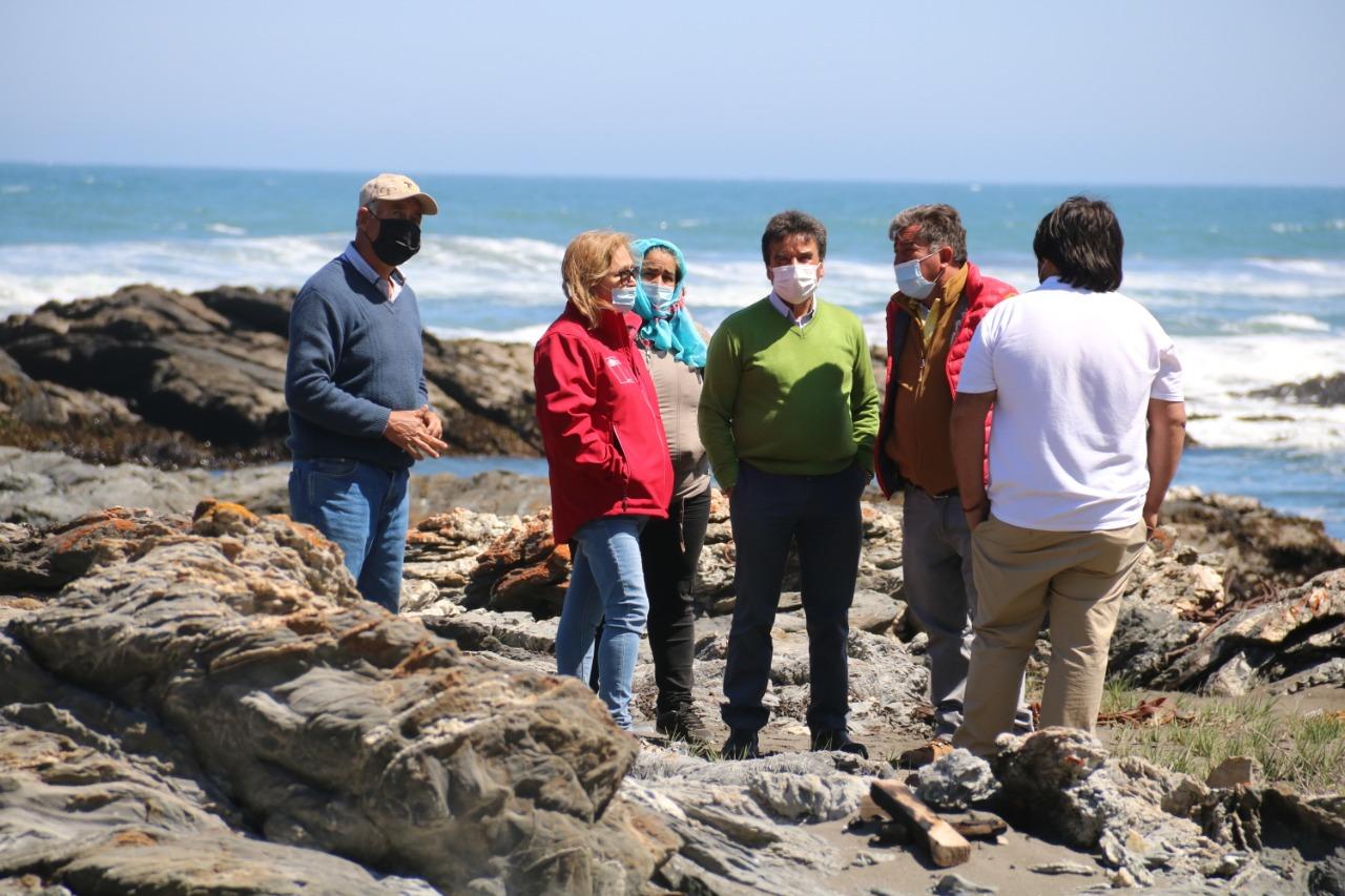 Intendenta Rebeca Cofré fiscalizó el acceso a las playas de Pichilemu