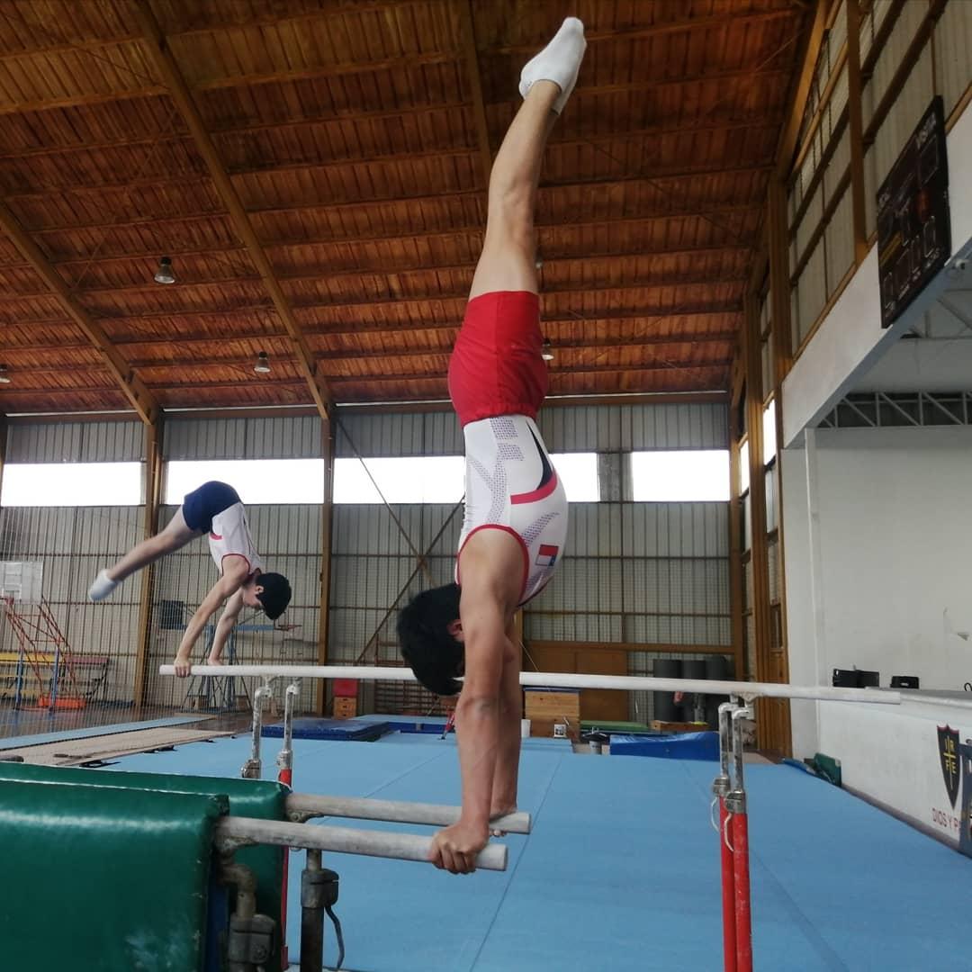 Ministerio del Deporte en IND entregan oficilamente nuevo Tapete para la gimnasia artística en Santa Cruz