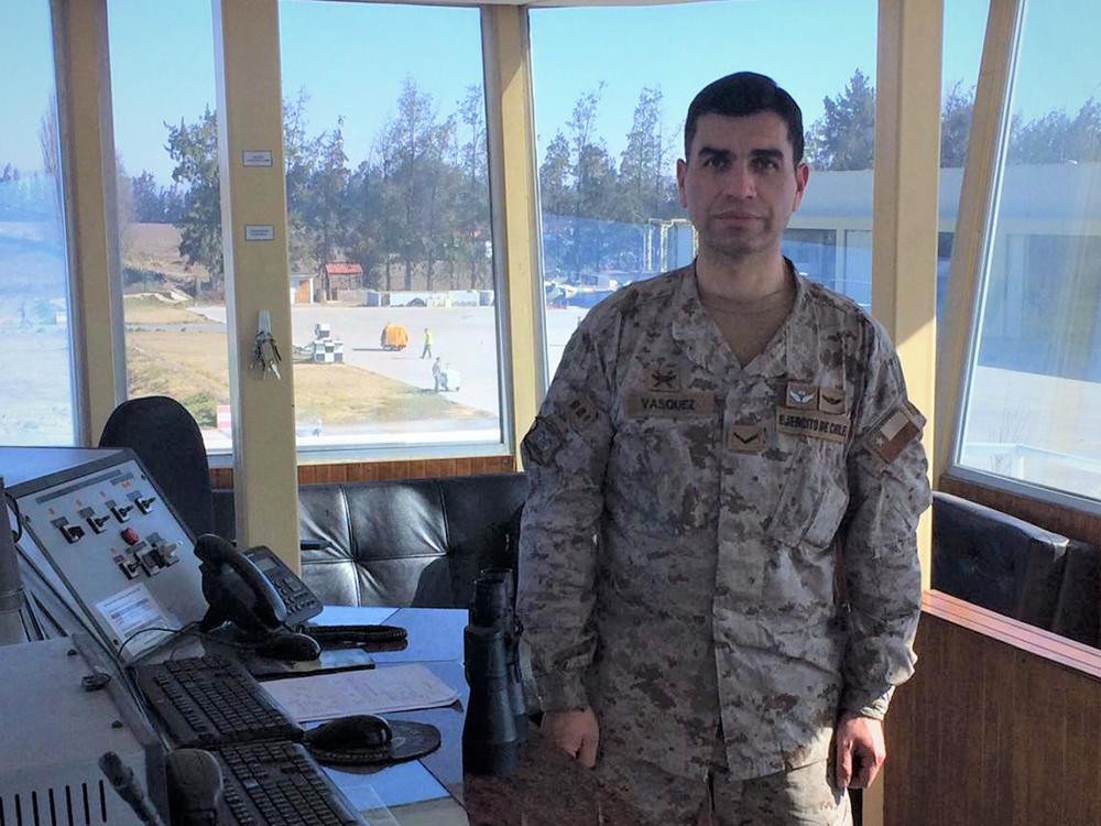 """Richard Vásquez controlador de tránsito aéreo militar:  """"Nuestro compromiso es inmenso porque resguardamos vidas humanas"""""""