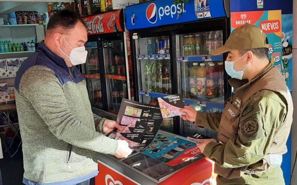 Carabineros del Labocar entregaron recomendaciones para identificar billetes falsos