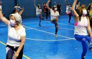 Con deporte y actividad física sensibilizan a las mujeres para prevenir el cáncer de mamas